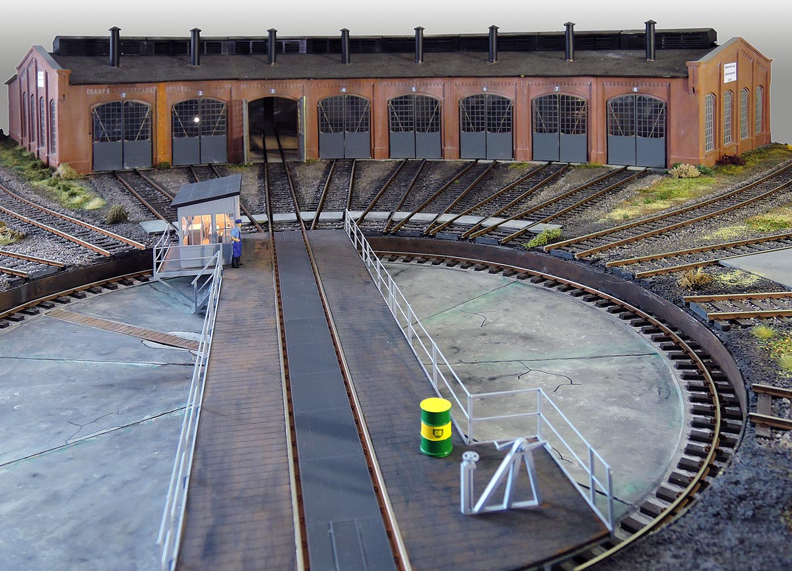 Bahnbetriebswerk Werkstatt Lokschuppen Werkstattausstattung Arbeitstisch